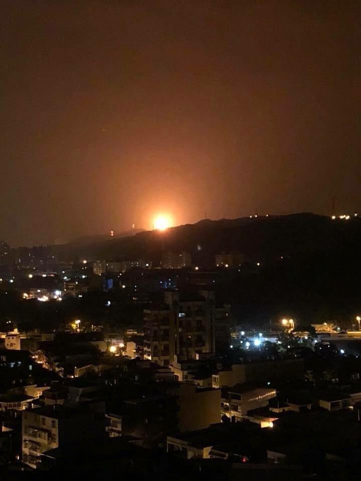 桃煉廠深夜傳出火警。圖/翻攝自臉書龜山生活通