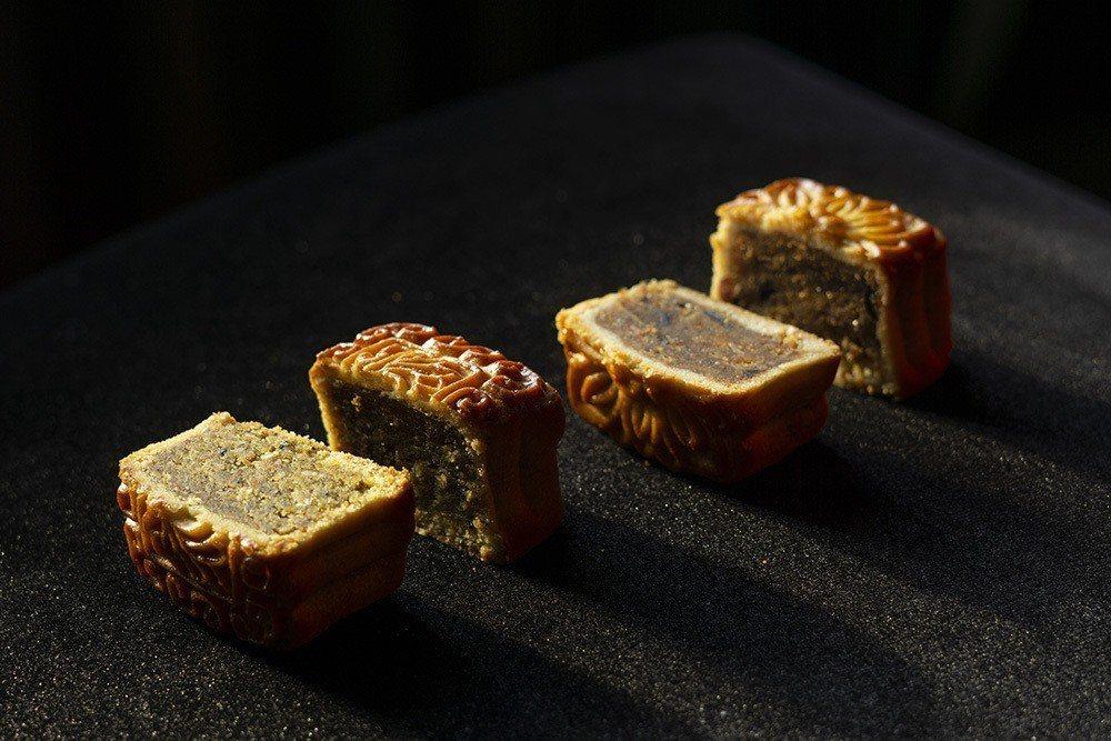永豐棧酒店精心推出八種典藏風味的月餅禮盒,有廣式和日系清爽桃山兩款特製餅皮,以八...