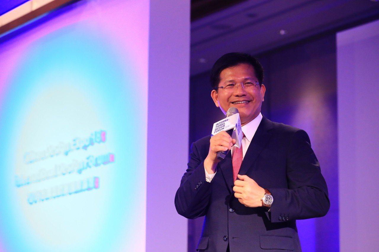 國民黨議員爆料,台中市長林佳龍要求各區區長幫忙拉票。市府強調,區長有為政策辯護的...
