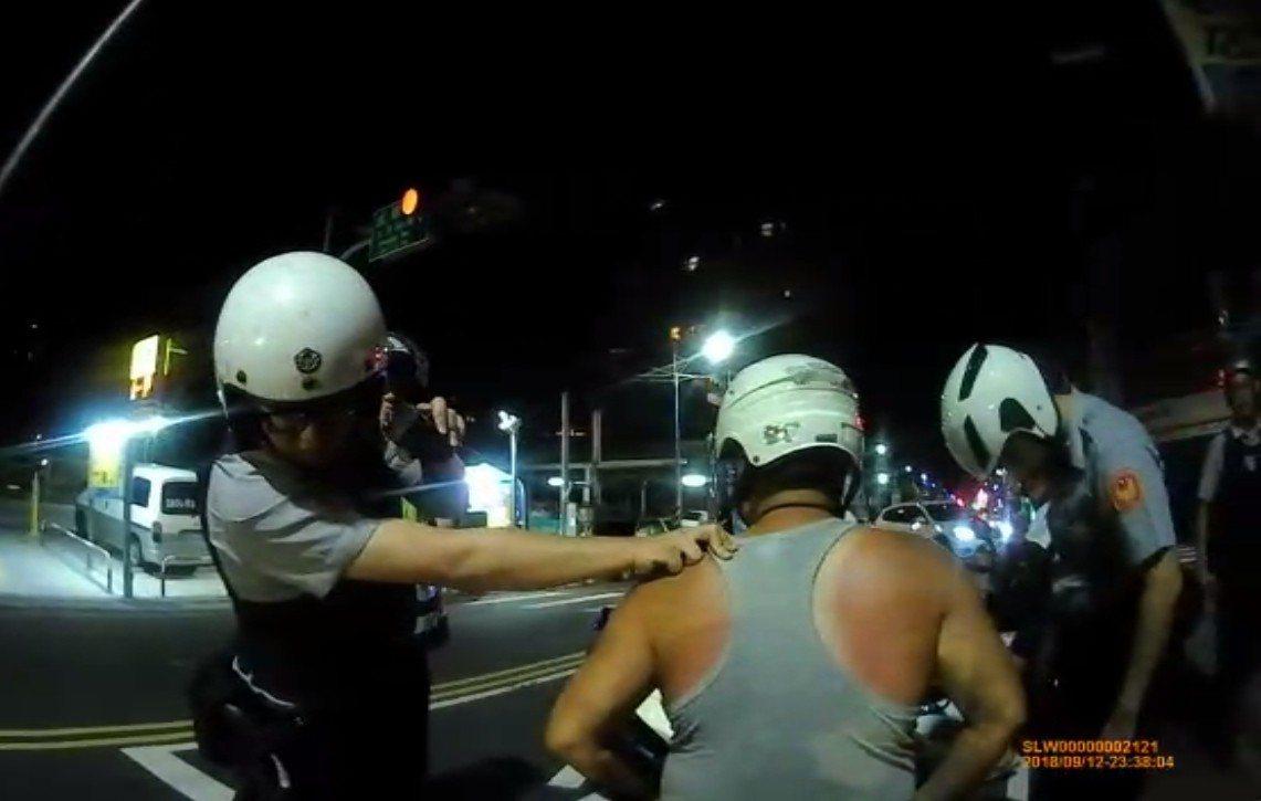 西濱襲胸狼昨晚在新北市五股區被捕。記者林昭彰/翻攝