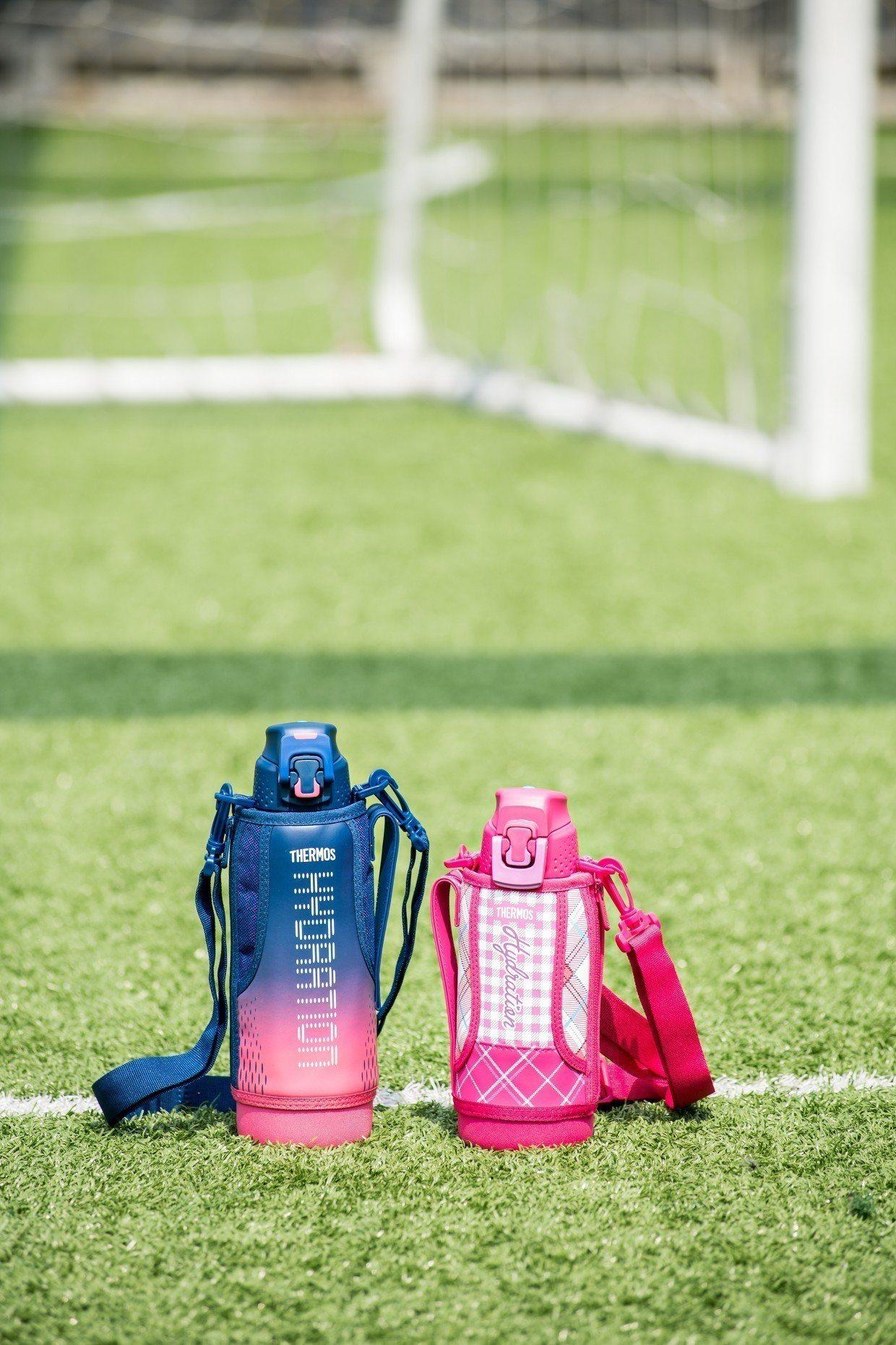 THERMOS膳魔師冰炫瓶專為運動族群設計,保冷能力強,裝運動飲料也OK。圖/膳...