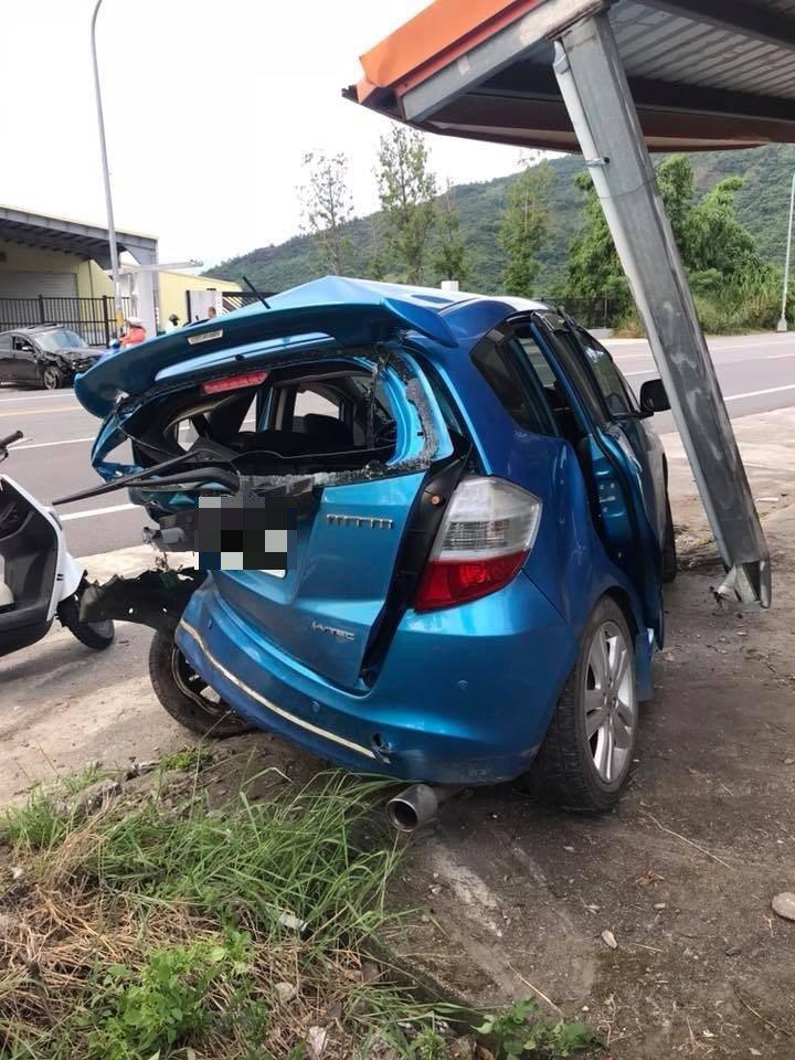 開馬三狂飆臉書還直播,竟然直播到自己撞車畫面。 圖/截自臉書