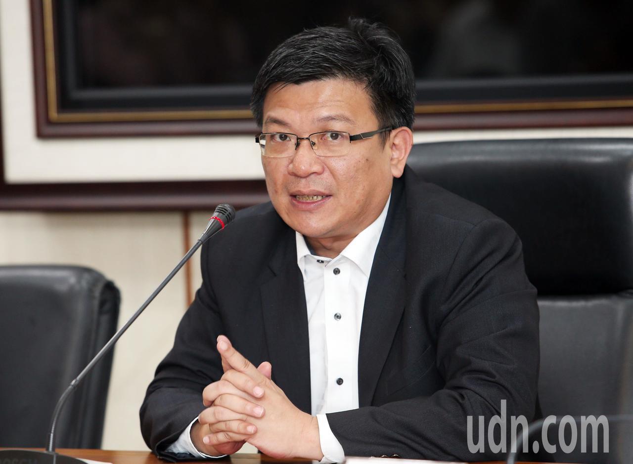 經濟部次長曾文生在記者會中表示,上午召開107年第二次電價費率審議會,因考量近日...