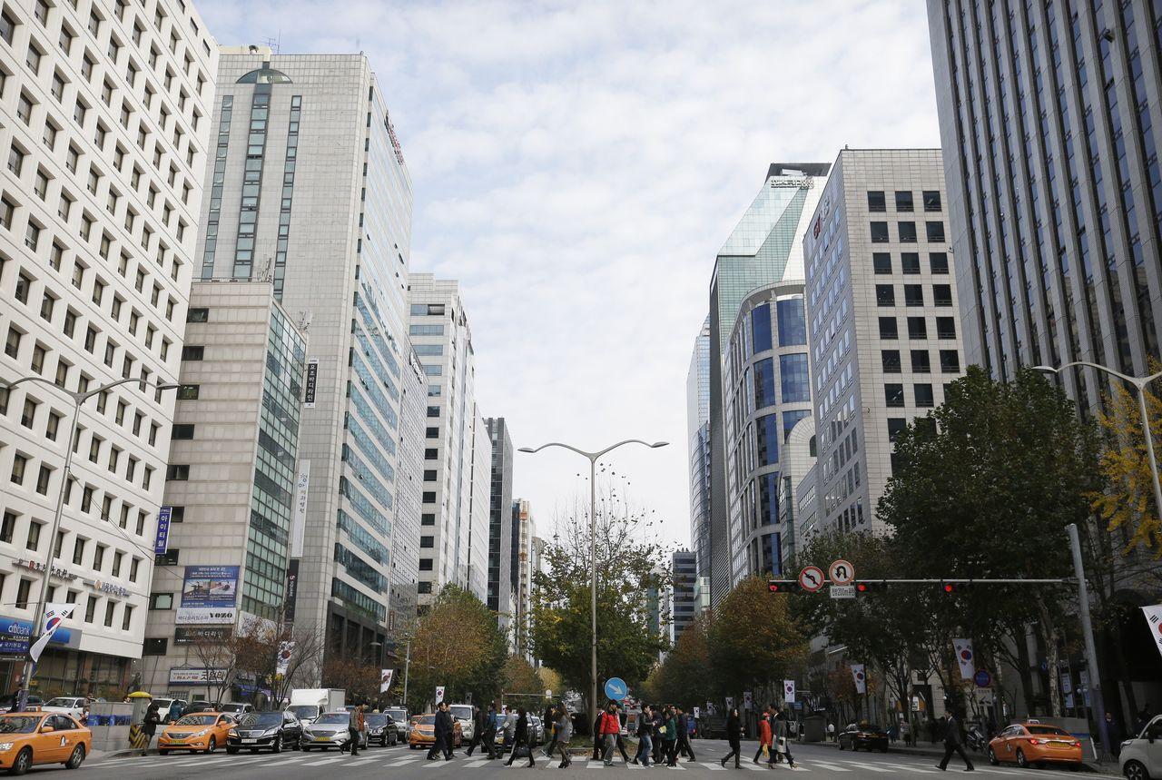 文在寅去年5月就任總統以來,首爾地區房價上漲逾12%。路透