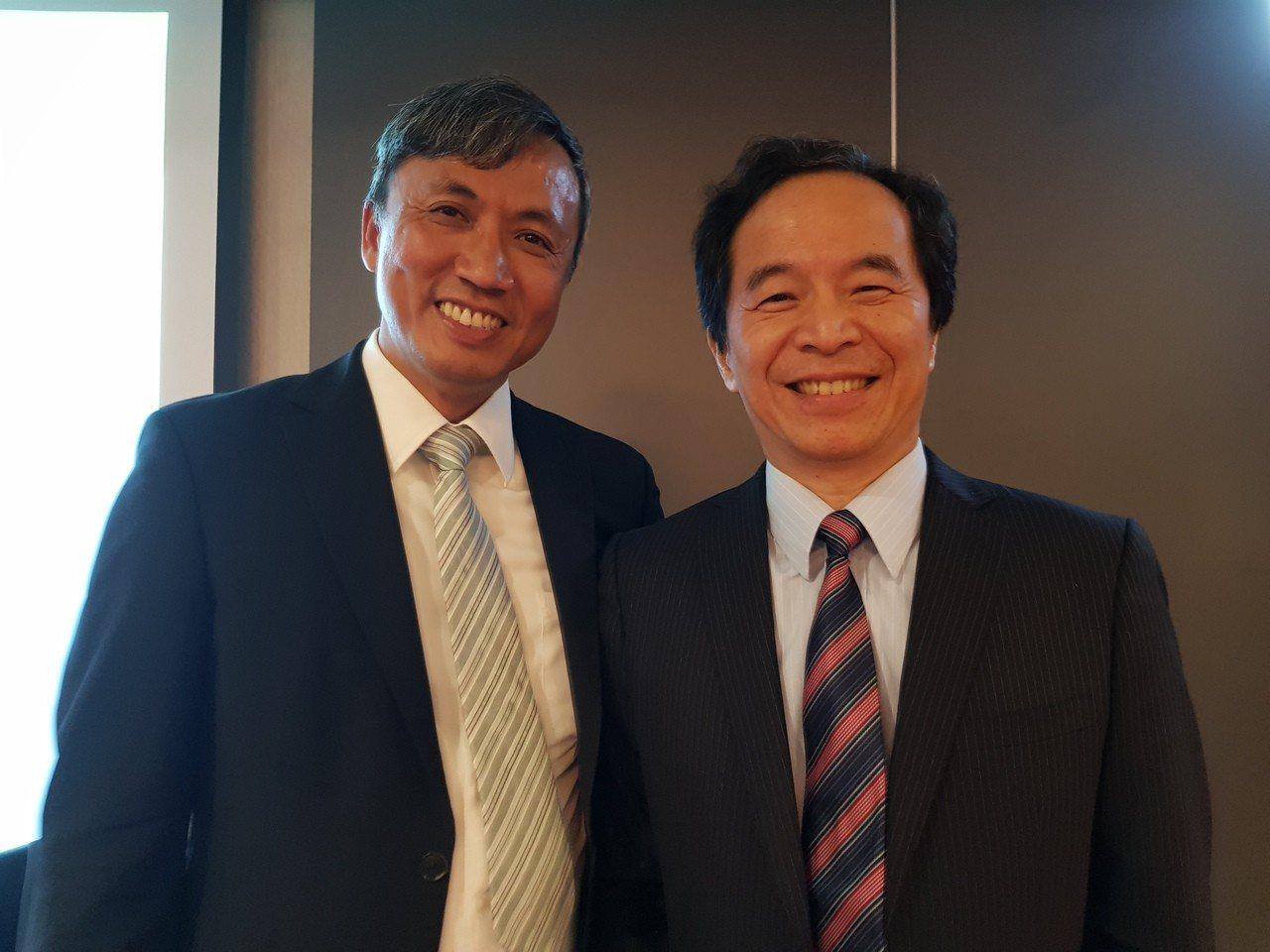 系微董事長王志高(右)和新任總經理莊鈴文。 記者曾仁凱/攝影