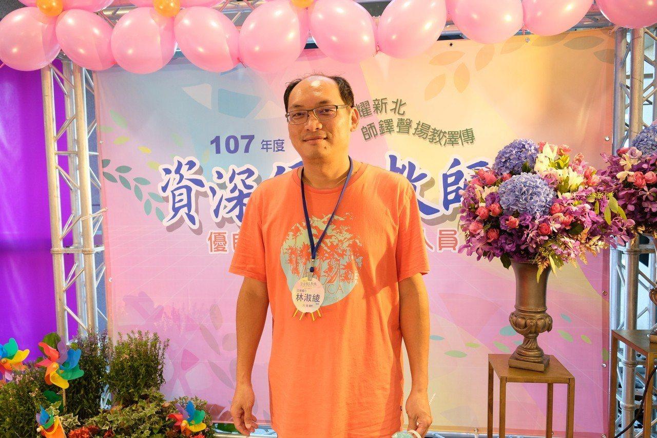 李文正回憶起妻子,臉上滿是幸福又驕傲的神情。記者張曼蘋/攝影