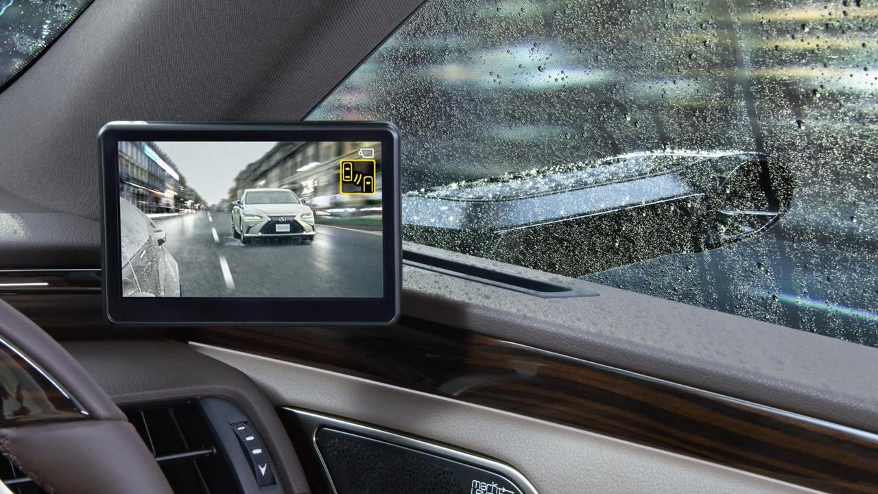 高階Lexus將配備兩側後視攝影系統。(網路照片)