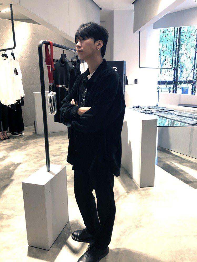 Christian Dada設計師森川正規私下穿著簡單,還自嘲「不太街頭風」。記...