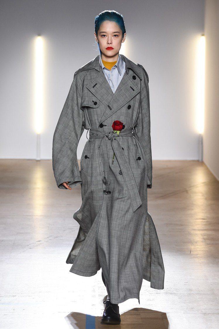 玫瑰的裝飾貫穿了Christian Dada的整個2018秋冬系列。圖/Chri...