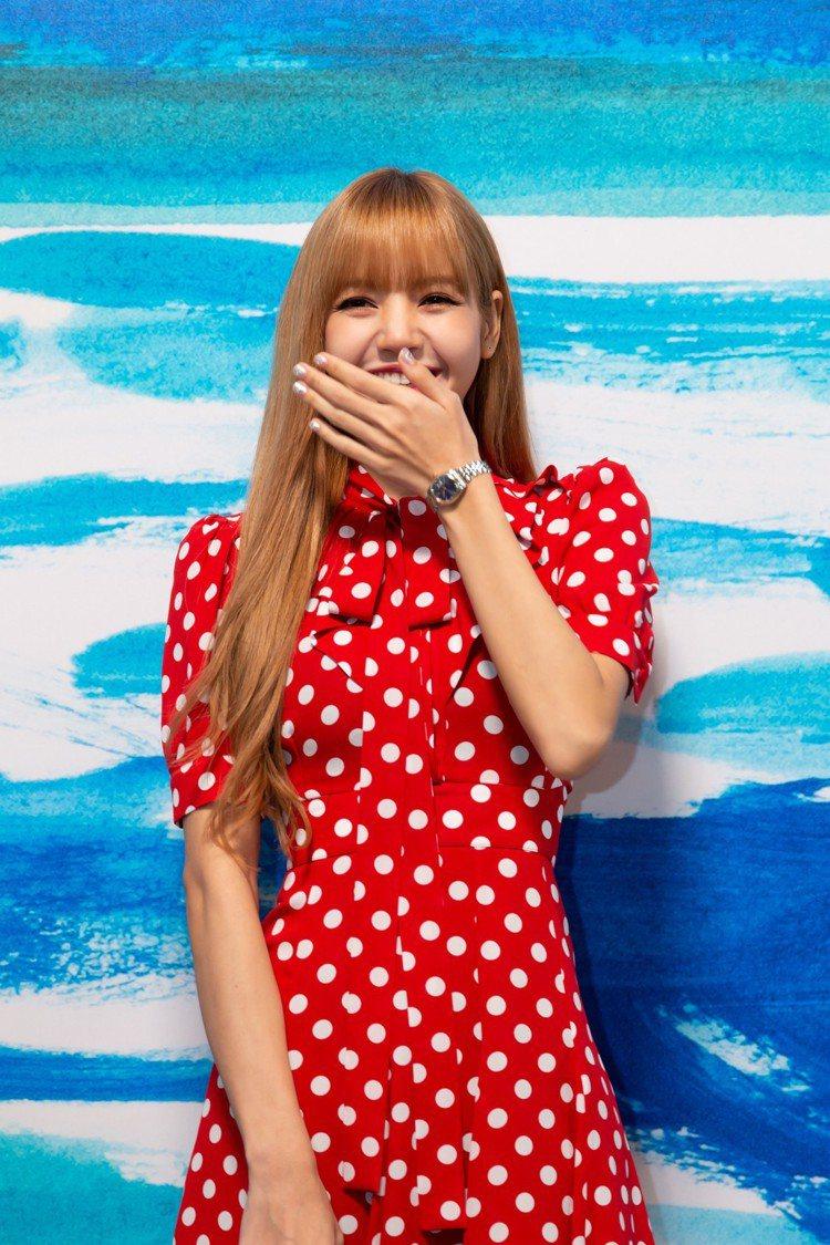 韓國Blackpink團員Lisa超甜美,是場中焦點。圖/MICHAEL KOR...