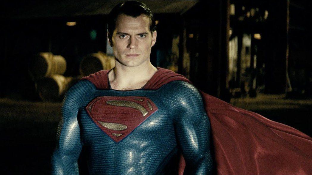 亨利卡維爾飾演的超人,沒能加持「正義聯盟」票房。圖/摘自imdb
