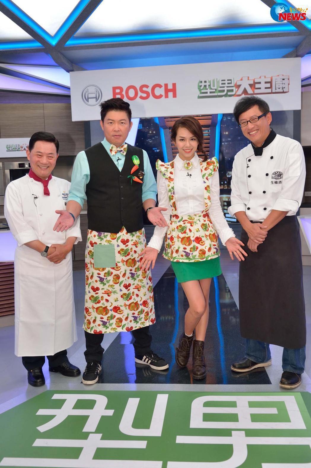 夏于喬(右二)主持「型男大主廚」多年,每月有20萬進帳,離開後吃老本一年沒工作。...