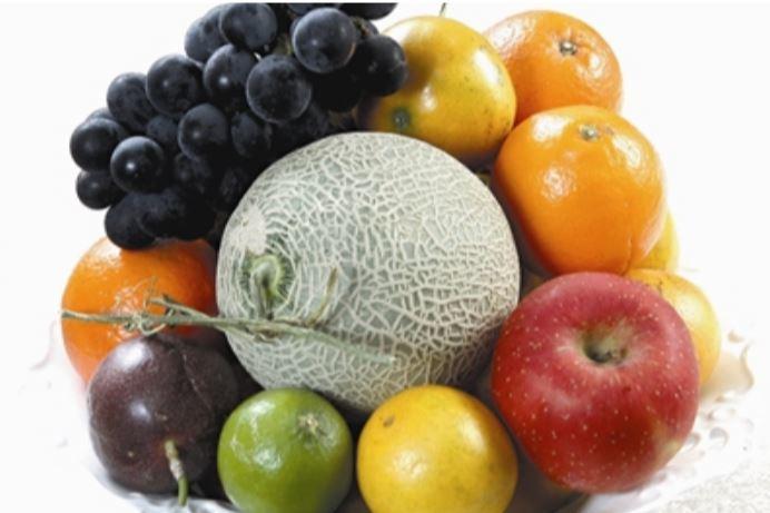 蘋果、香蕉、梨子、番茄等更性水果,在熟成前別放進冰箱,以免抑制後熟作用,增加腐爛...