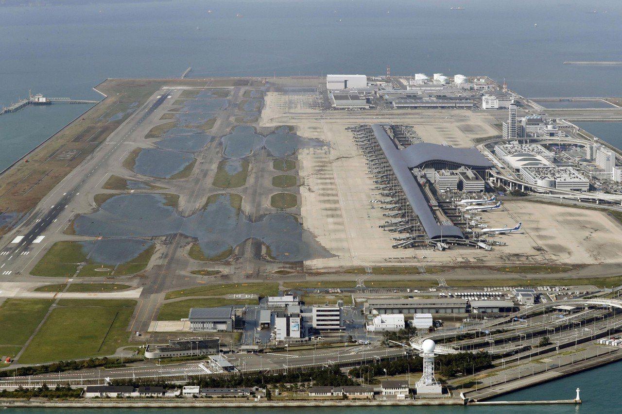 受燕子颱風侵襲而泡水的日本關西機場,14日將部分重新開放第一航廈,預料下周航班數...