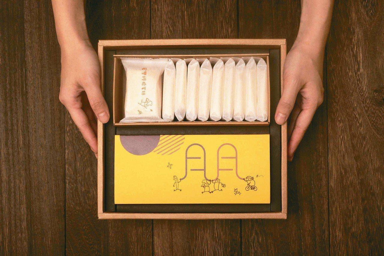 鳳梨酥脆蛋糕禮盒,售價720元。 圖/微熱山丘提供