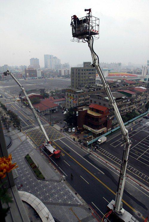 「火鳳凰」是目前國內最高的雲梯車。 圖/聯合報系資料照片