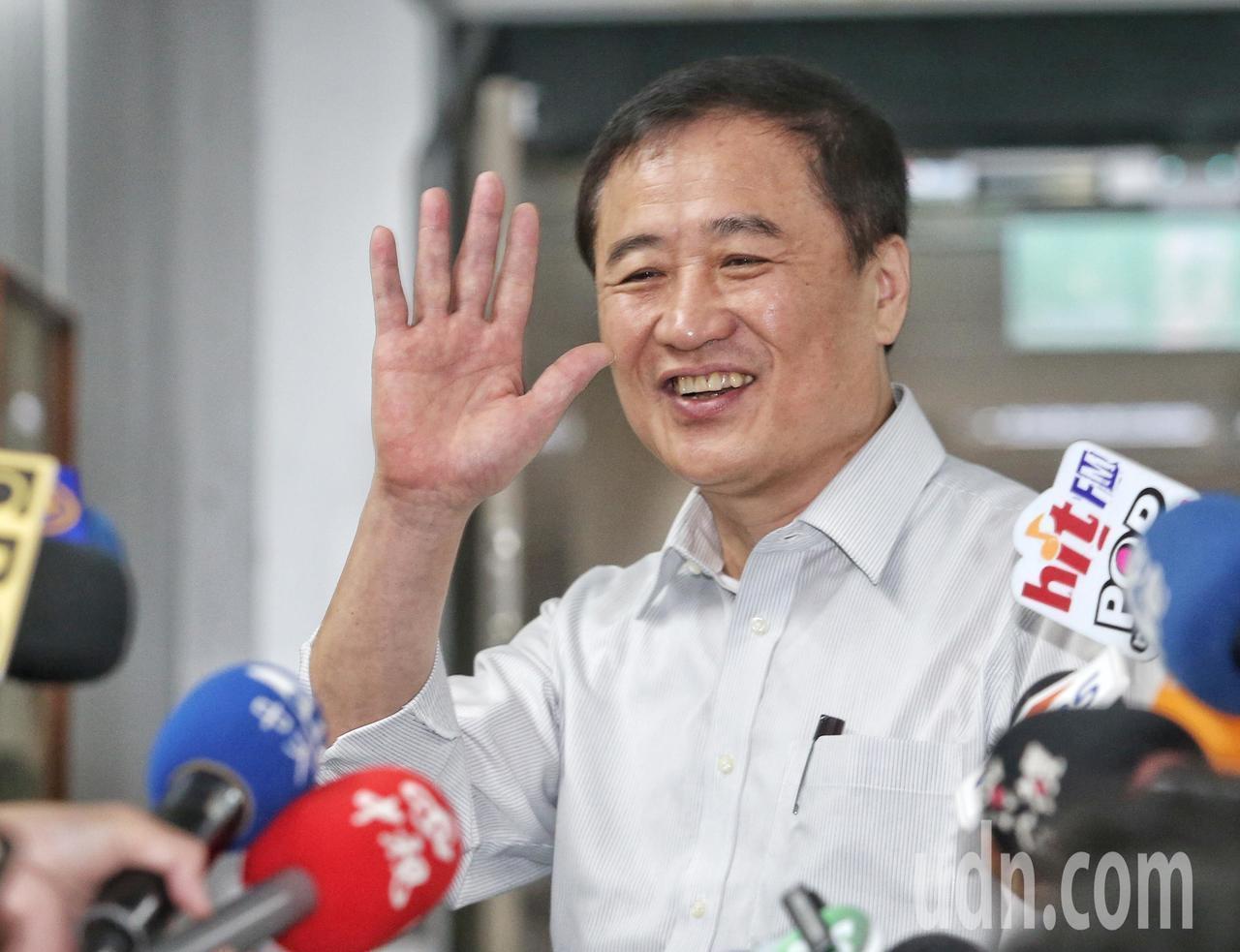 陳景峻今天舉行記者會宣布辭去北農董座一職。記者鄭清元/攝影