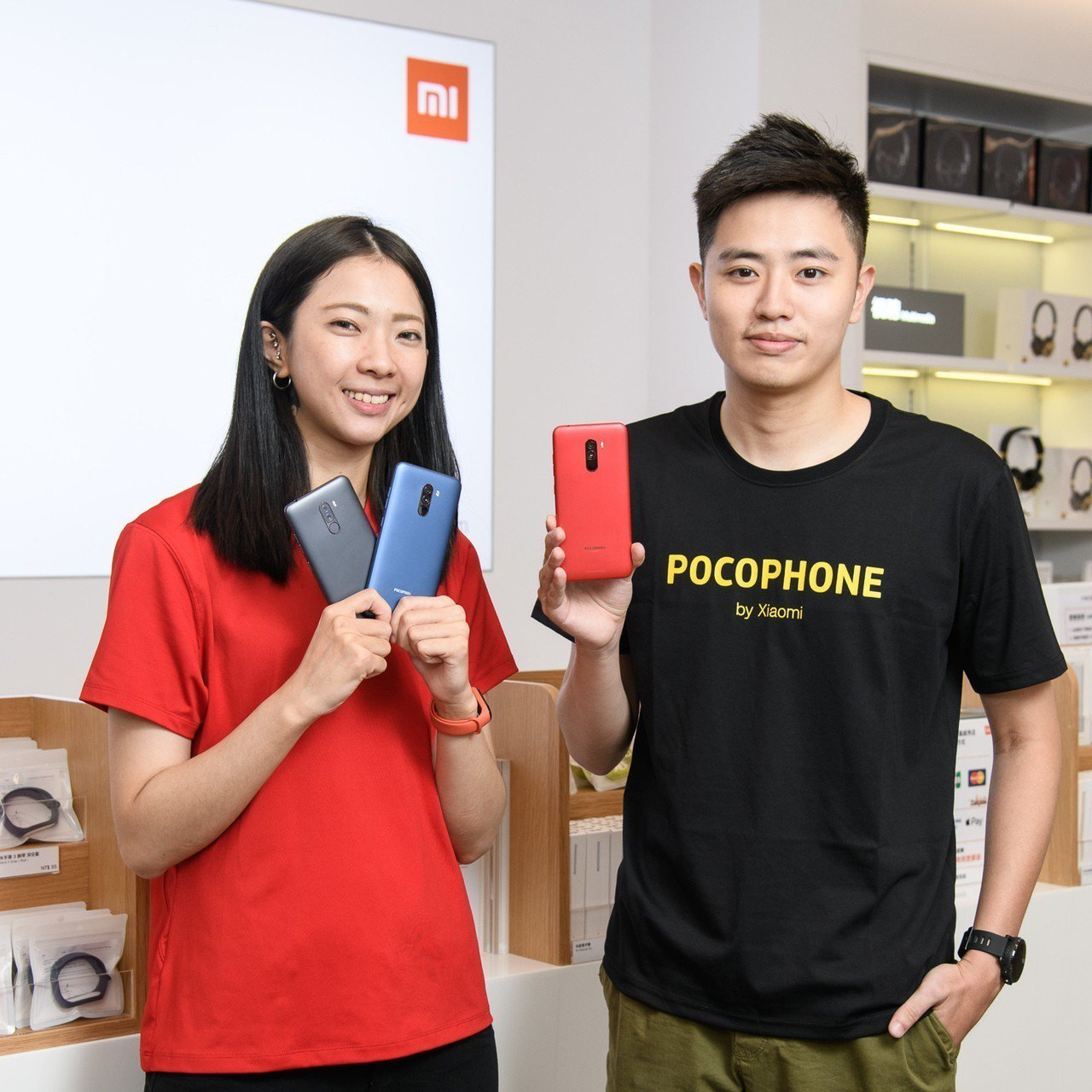 小米全新子品牌POCOPHONE F1 今(15)日在台北信義威秀店首賣,號稱最...