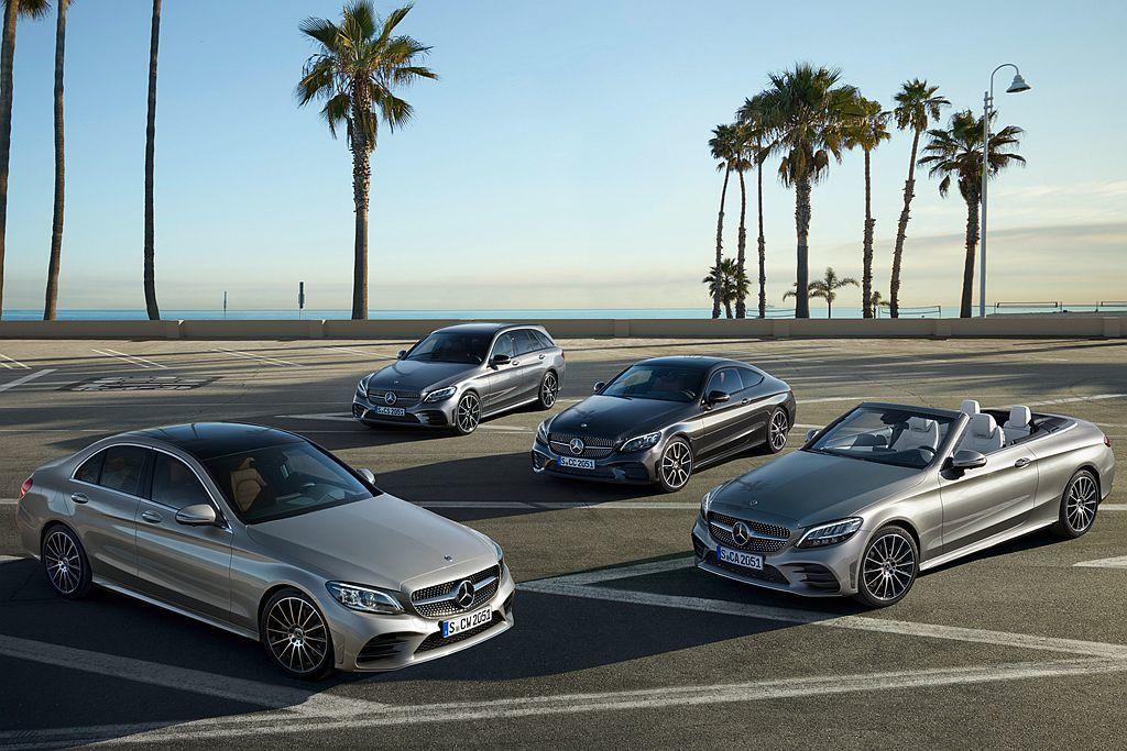 小改款賓士C-Class將一次發表房車(Saloon)、旅行車(Estate)、...