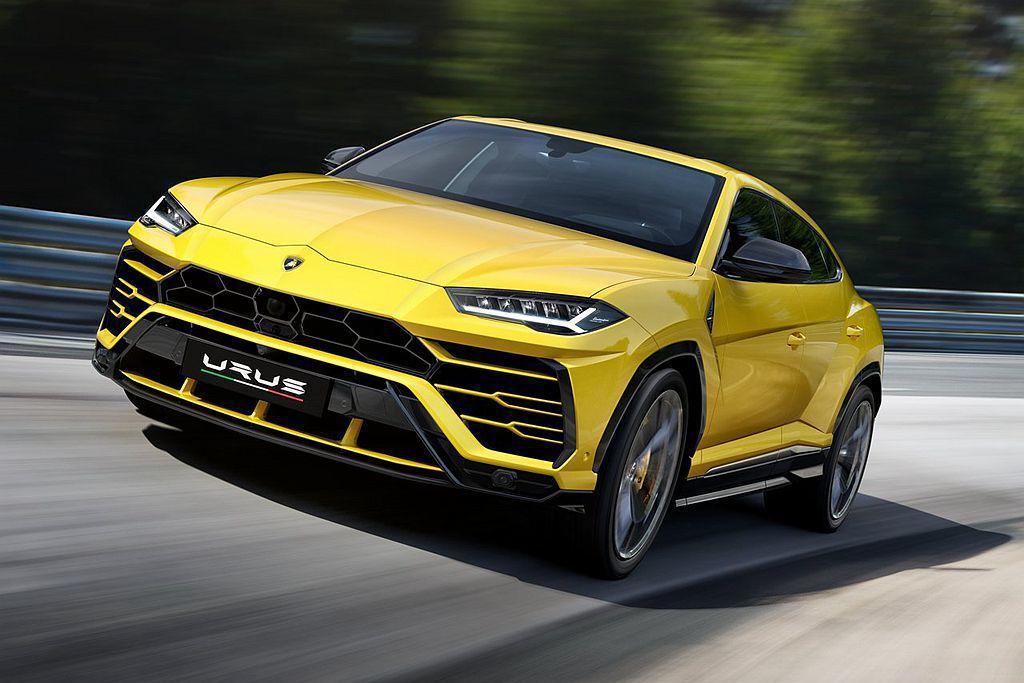 早在7月就發表上市的Lamborghini Urus,終於完成油耗測試認證,平均為7.7km/L。 圖/Lamborghini提供