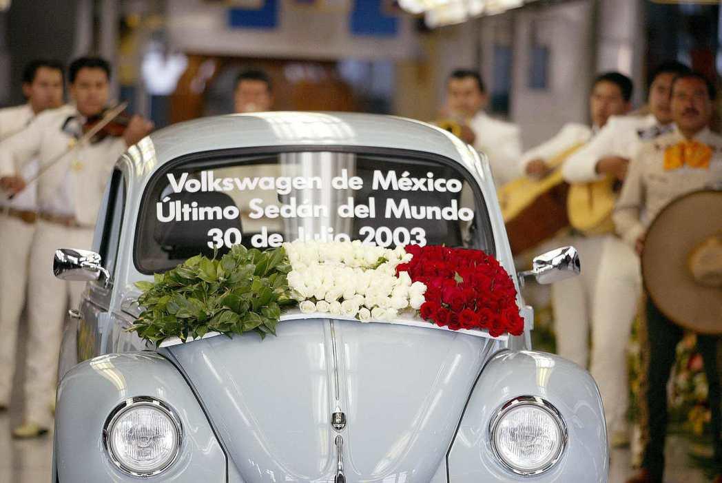 2003年7月30日,福斯汽車的墨西哥車廠,也生產了最後一輛的初代金龜車(T1)...