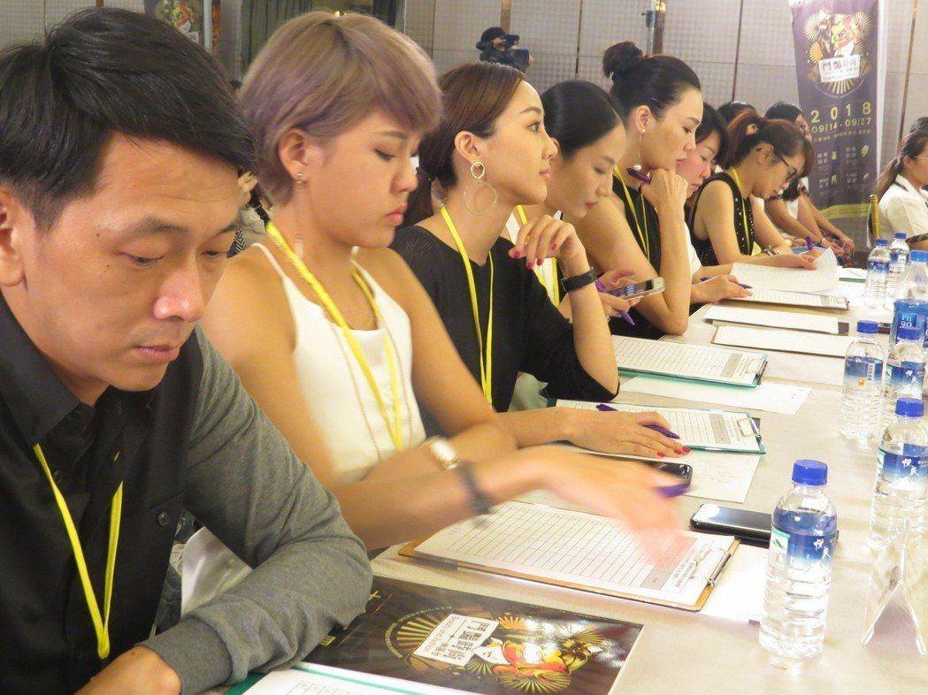 入選決賽學生將由凱渥專業模特兒李彬訓練,活動另於9月19日至25日中午開放網路人...
