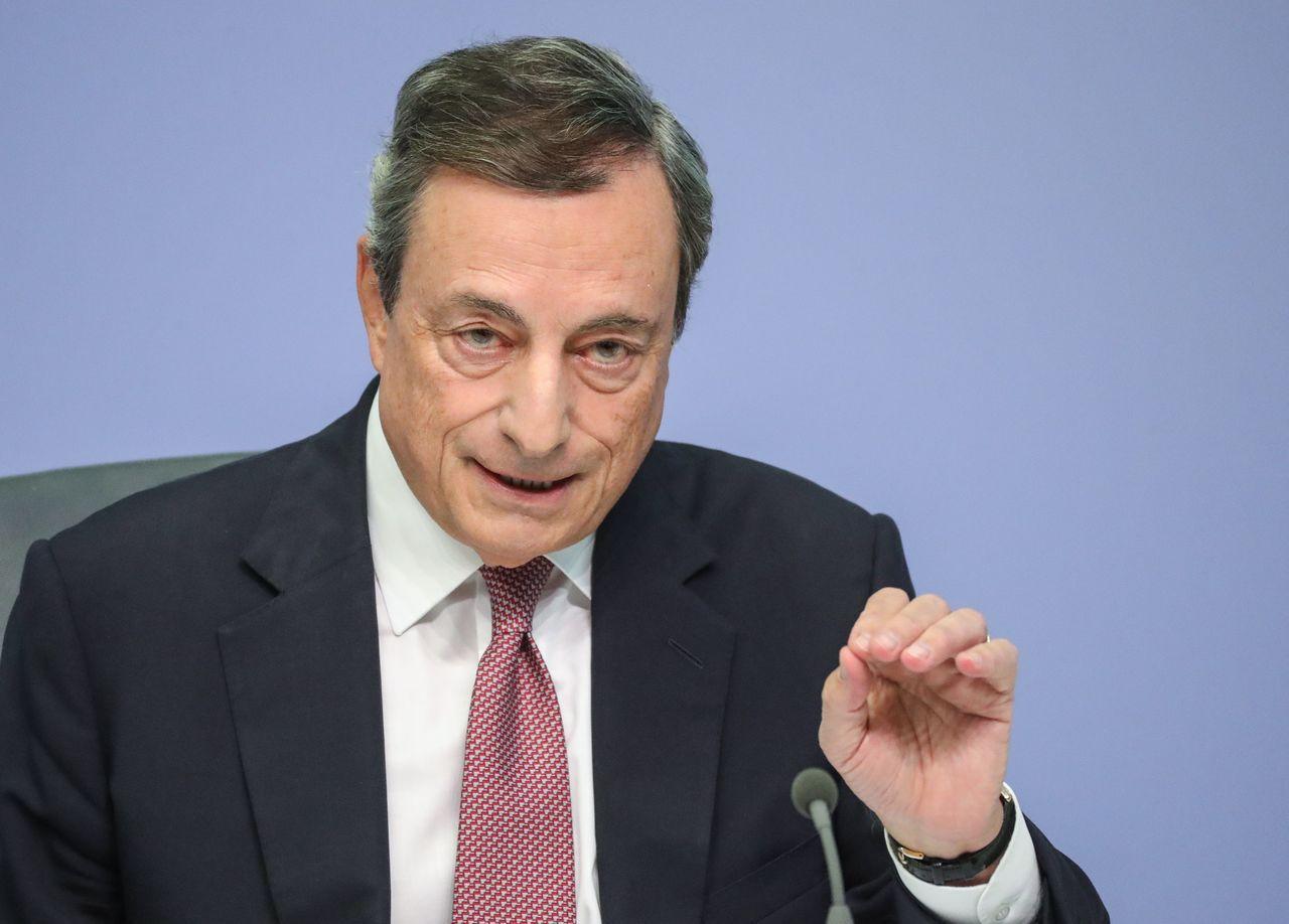 歐洲央行總裁德拉基:下一步將是確保對影子銀行同樣強而有力的監管。歐新社