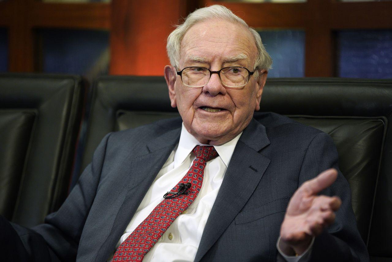 巴菲特接受CNBC訪問時說,金融風暴無可避免會再度爆發,因為人性,妒忌且貪婪。美...