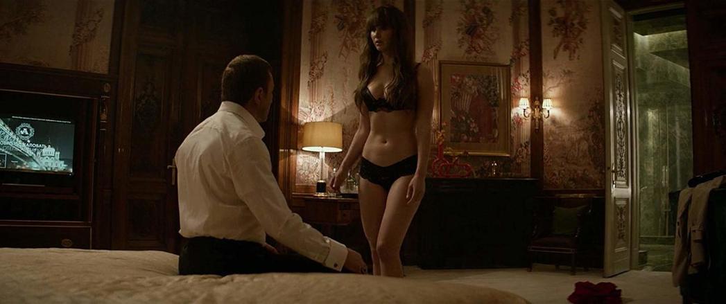珍妮佛勞倫斯在「紅雀」性感演出,北美票房反而不理想。圖/摘自imdb