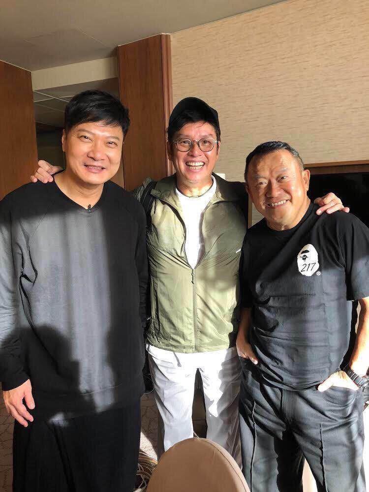 左起錢嘉樂、譚詠麟、曾志偉一起運動的香港演員趙浚承特地從北京飛來。圖/銀魚提供