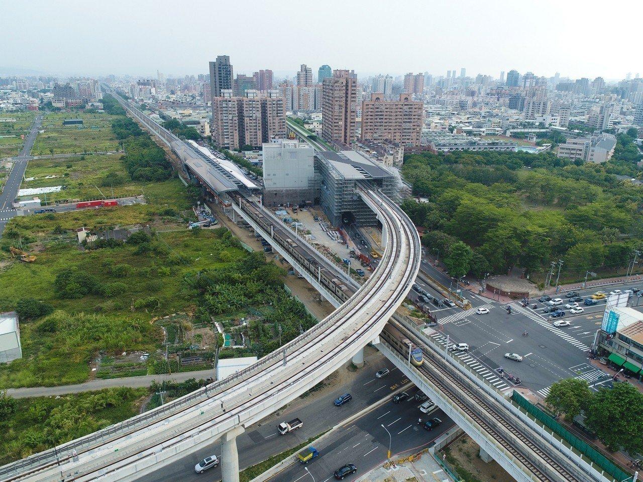 台中捷運打造「十字軸線」的捷運藍線計畫,9月12日獲行政院正式核定。全長26.2...