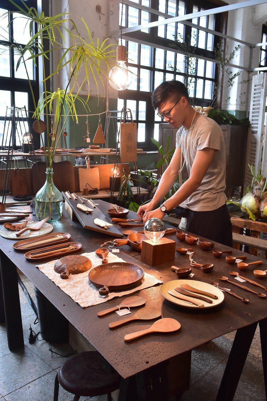 「清製手作」以溫潤手感,製作樸實家居品。圖/島作提供