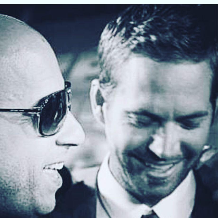 馮狄索(左)在保羅沃克45歲冥誕發布舊照致意。圖/摘自Instagram