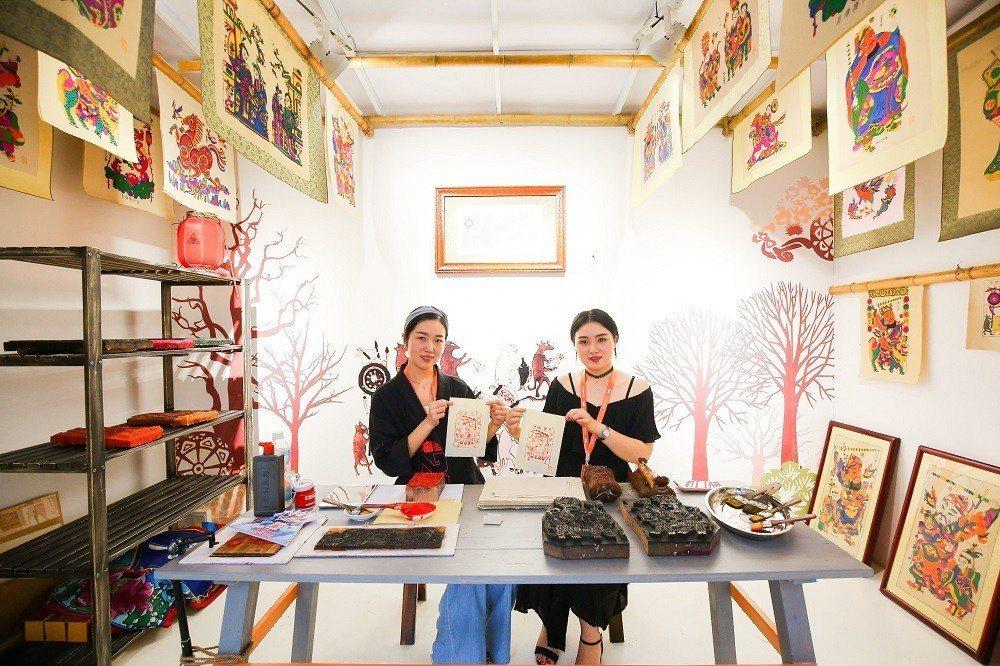 年輕的造物者擅於將傳統文化融入創新意念。阿里巴巴 / 提供