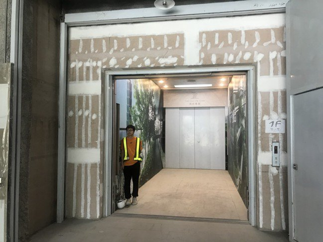 陶朱隱園設有能容納一輛救護車的電梯,以便直接到府。圖/記者黃阡阡攝
