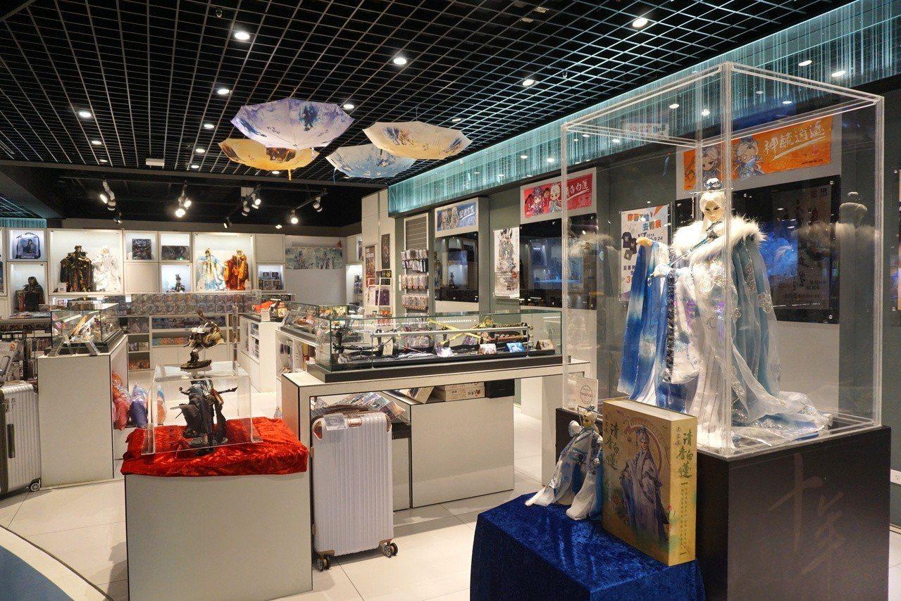 大霹靂現場展示了高達110公分的素還真特仕版戲偶。記者黃筱晴/攝影
