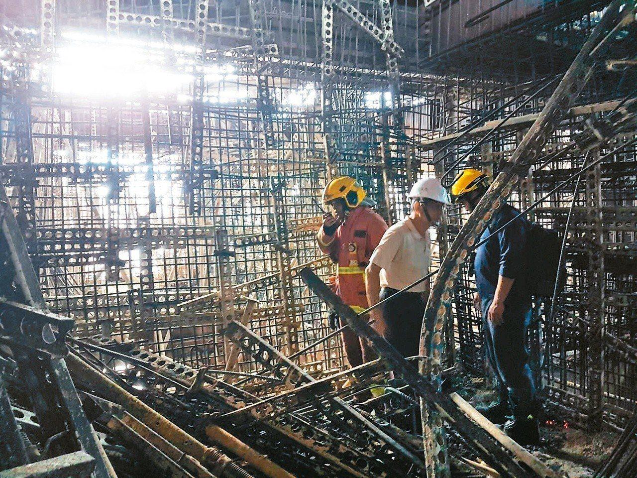 新莊建案傳出大火,火警後新北市工務局昨勘查結構安全。 記者陳珮琦/翻攝