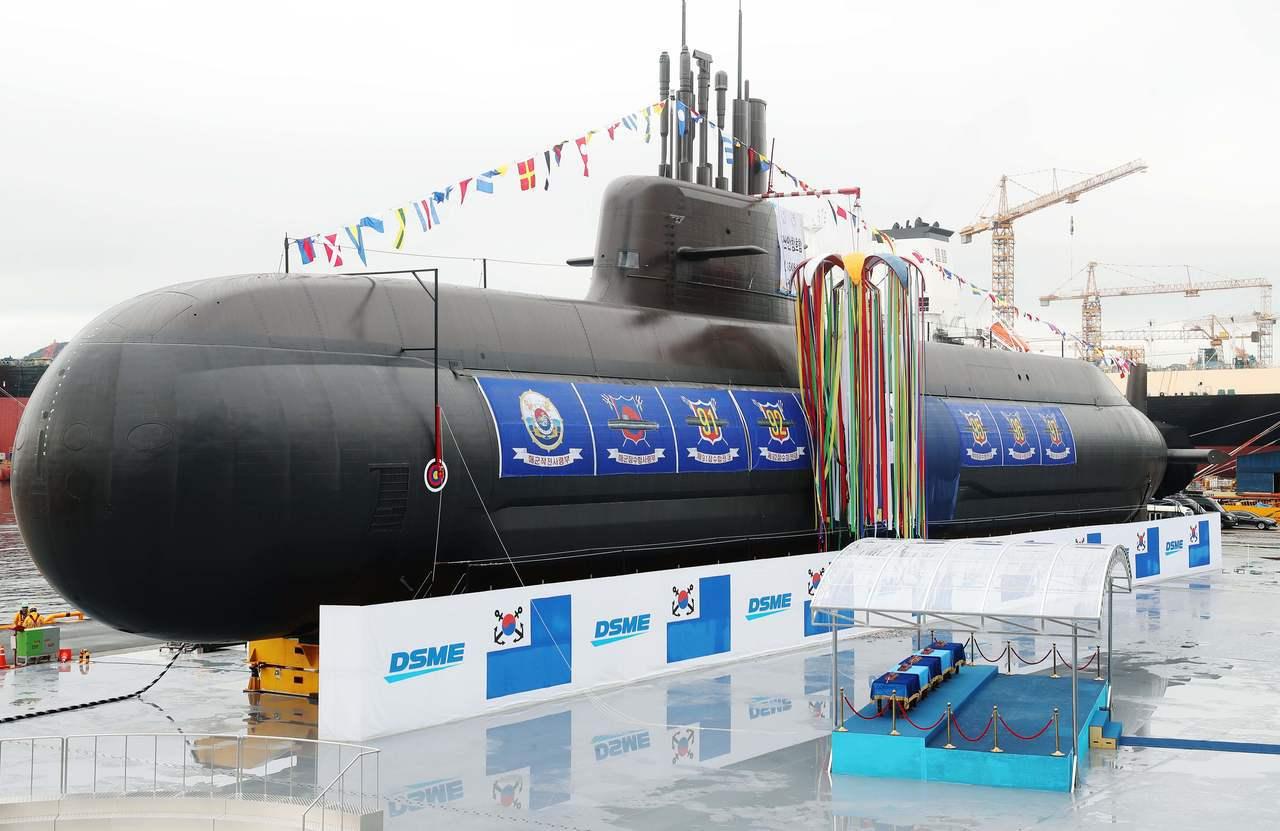 南韓與北韓近來雖關係解凍,南韓14日仍為首艘能發射飛彈的國產攻擊潛艦舉行下水儀式...