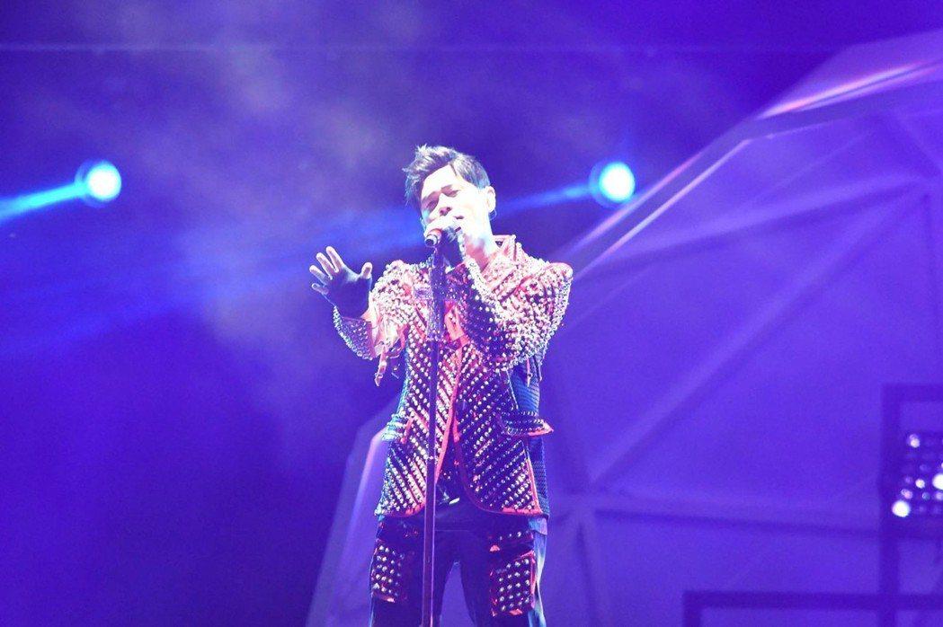 一級方程式(F1)賽車新航新加坡大獎賽,台灣歌手周杰倫14日晚間應邀飆唱。 圖/