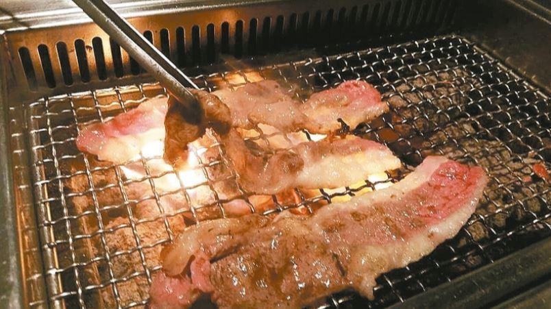 中秋節假期將到,很多民眾都會烤肉。 聯合報系資料照