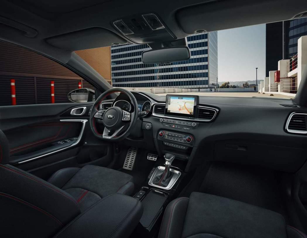 全新Kia Ceed GT內裝。 摘自Kia