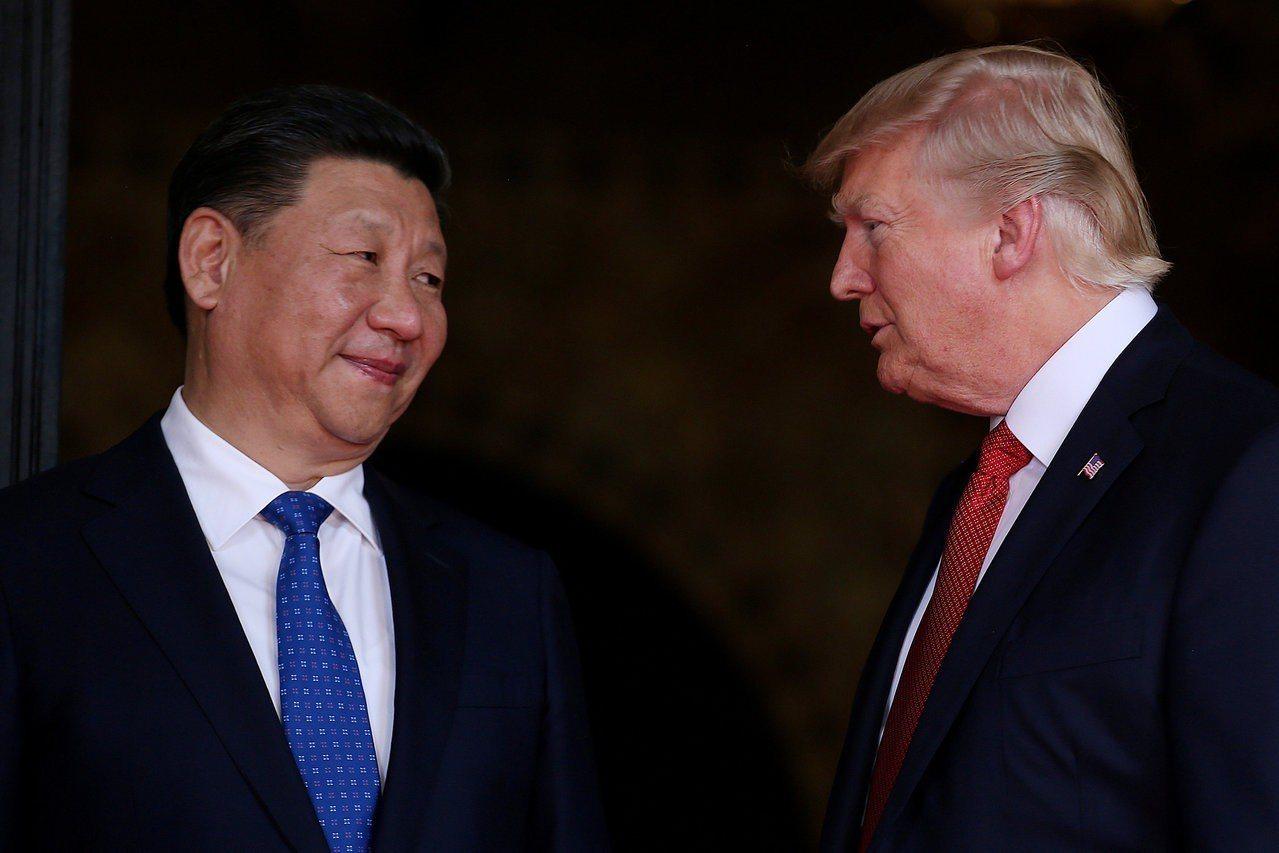 美國總統川普(右)與中國國家主席習近平(左)。路透