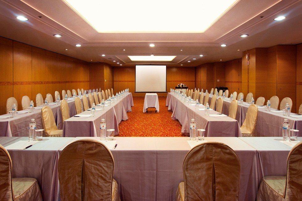 貴賓軒提供13間各式中、小型獨立會議包廂,每間最多可容納160人,方便企業靈活運...