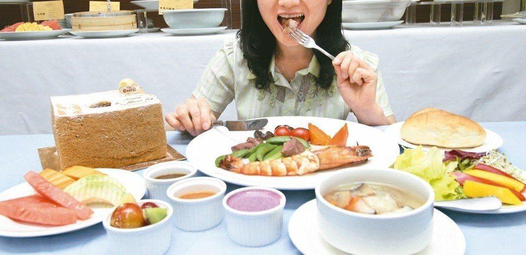 食物要注意均衡攝取,補足蛋白質與營養素。本報系資料照