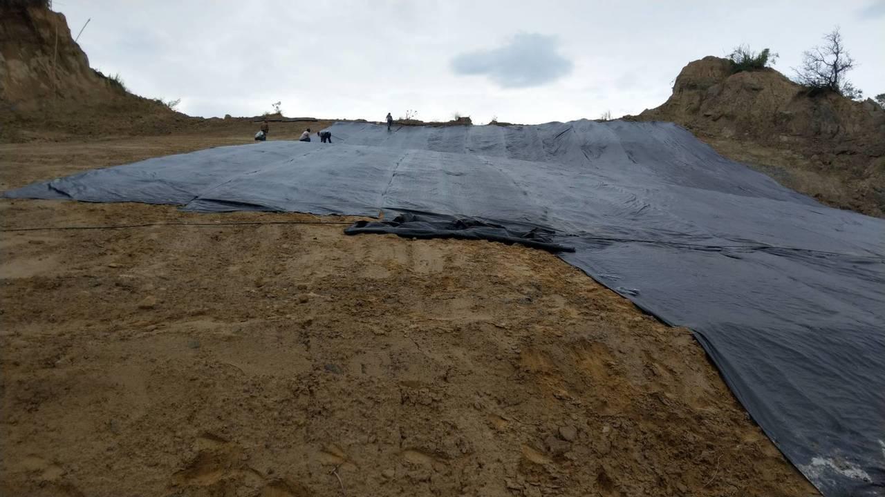 台南左鎮區南171-1道路,之前兩度坍方走山,左鎮區公所在颱風來之前加強護坡,預...