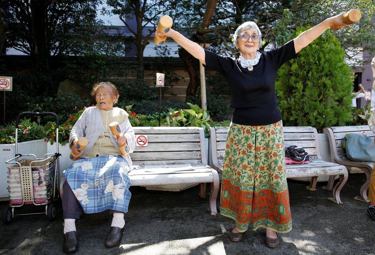 日本女性平均壽命87.2歲,全球最高。路透