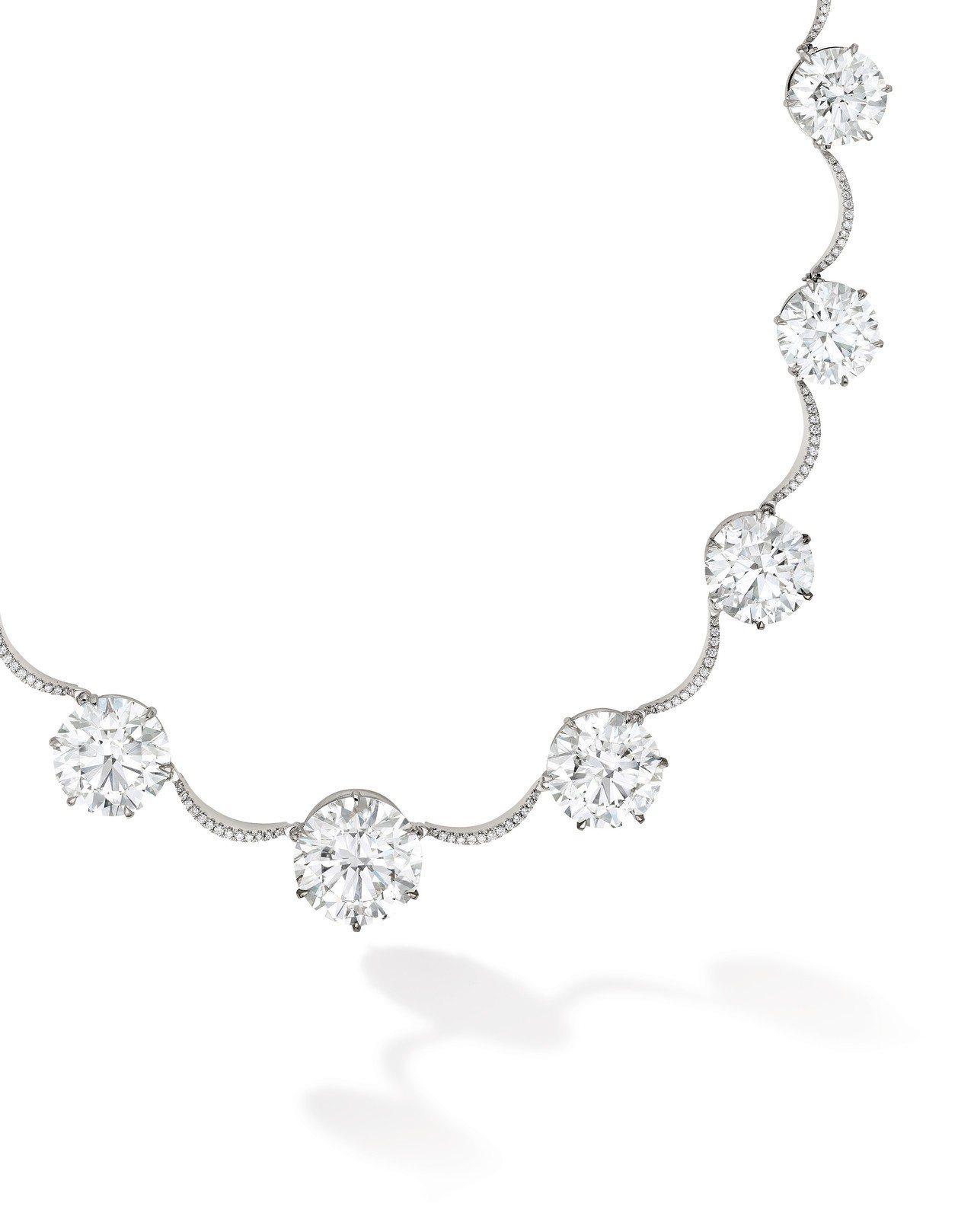 鑽石項鍊鑲嵌16枚triple excellent鑽石共 130.61 克拉,估...