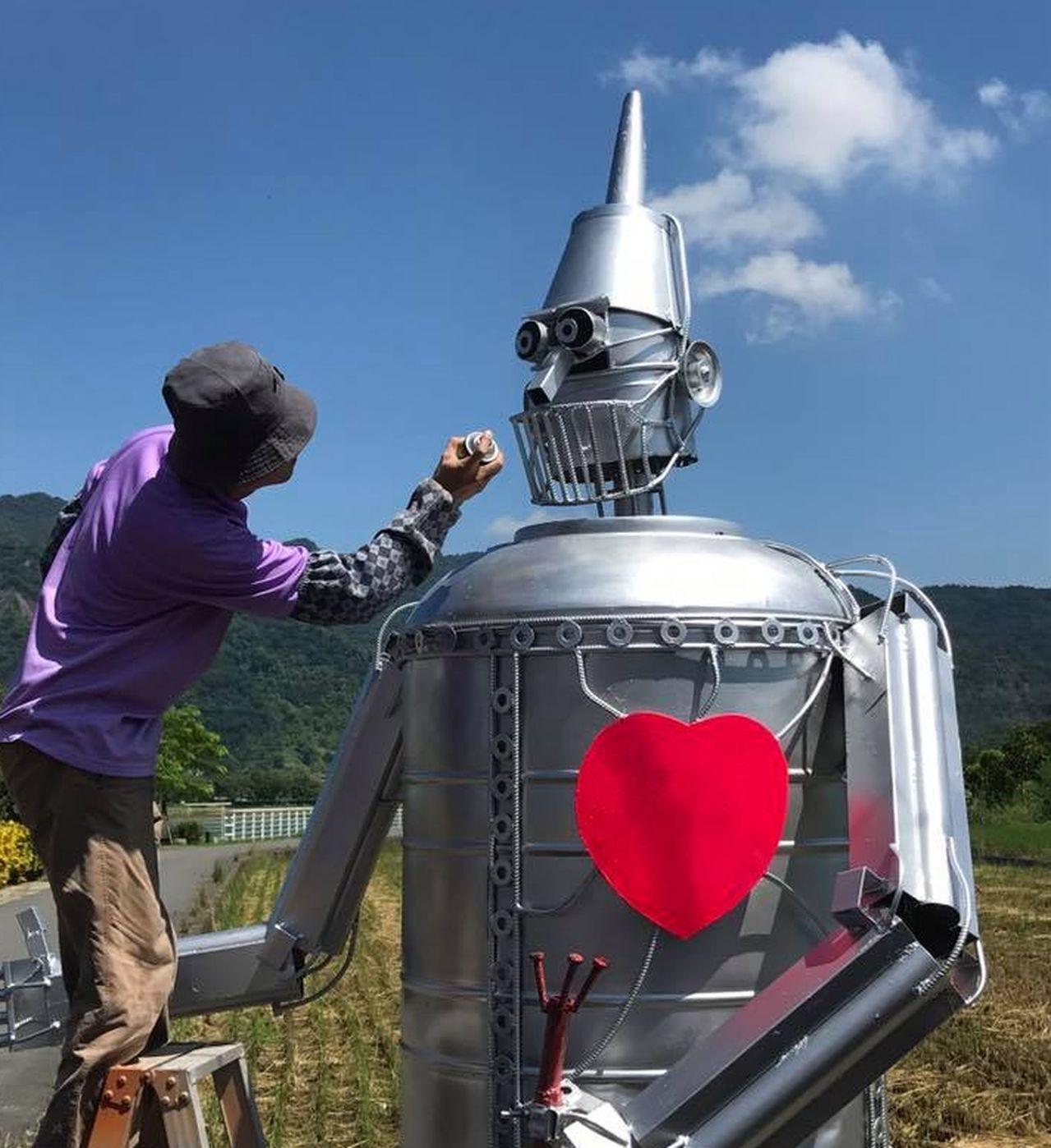 延至9月30日登場的「美濃秋冬樂活嘉年華」活動,今年吹童話風,參加輕旅行遊客可在...