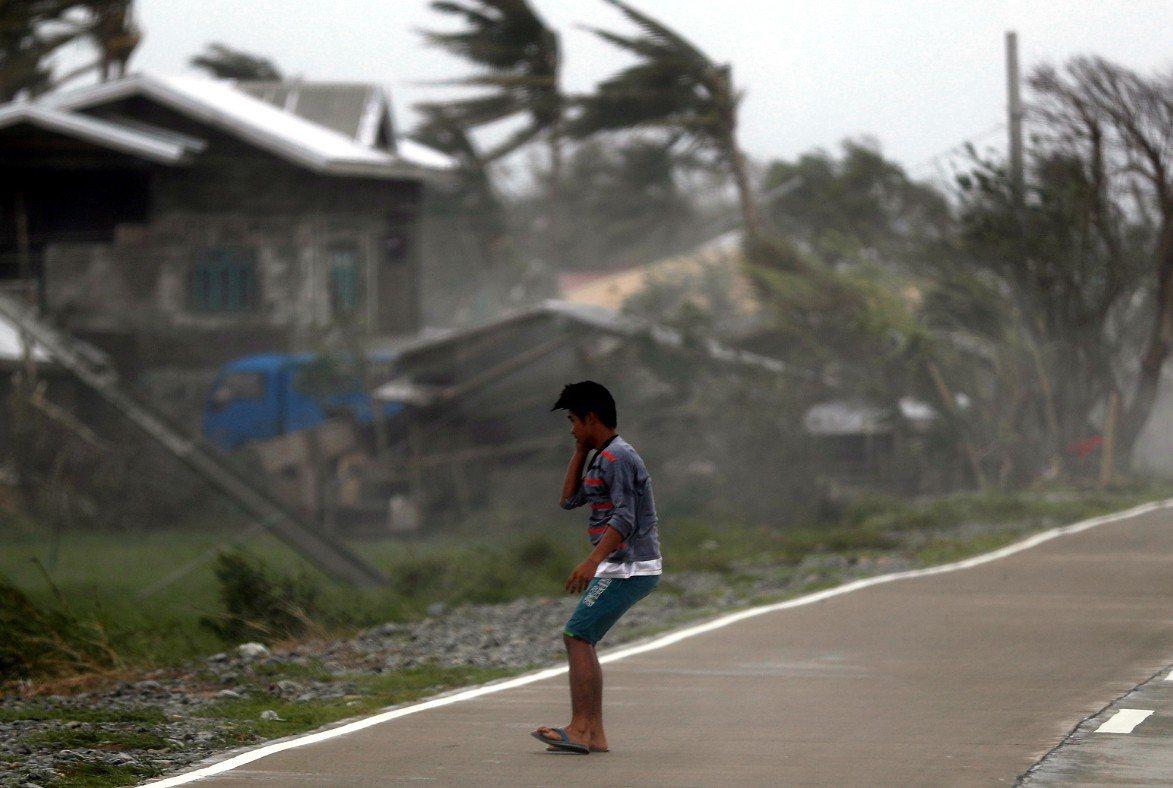 威力強大的山竹颱風侵襲菲律賓北部帶來重大破壞。 歐新社