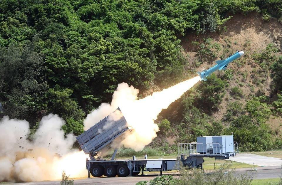 國軍第一代「反制武器」解密?前總統陳水扁上月在「新勇哥物語」臉書網頁中,大談他過...